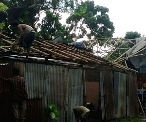 Houses destroyed in cyclone