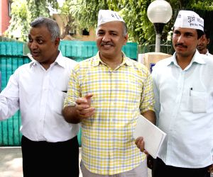 Manish Sisodia outside Kejriwal's residence