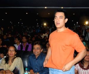 Aamir Khan at 3 Idiots First Song Introduced to Media at Intercontinnetal.