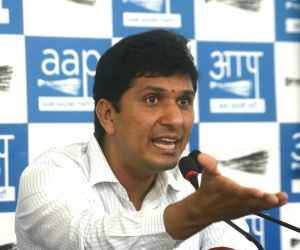 AAP condemns Delhi redevelopment plan involving axing trees