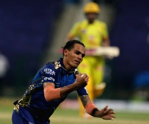 File Photo: Faf du Plessis and Rahul Chahar at 1st IPL match between CSK and MI