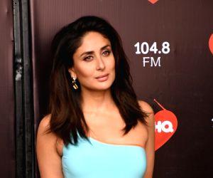 021019) Mumbai: Kareena Kapoor seen at a studio