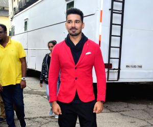 """Actor Abhinav Shukla during the promotions of his upcoming film """"Aksar 2"""" on the sets of television show 'Comedy Dangal' in Mumbai on Sept 17, 2017."""