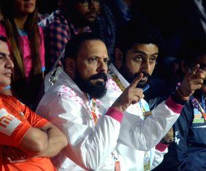 Actor Abhishek Bachchan cheer for his team Jaipur Pink Panthers during Pro Kabaddi league match between Dabang Delhi and Jaipur Pink Panthers in Mumbai on Nov.11, 2018.