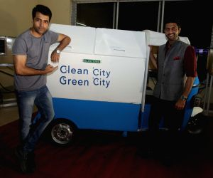 EVEXPO 2016 - Abir Chatterjee launches e-vehicles