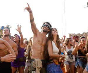 Aditya Roy Kapur's shirtless look leaves fans in awe