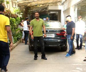 """Film """"De De Pyaar De"""" screening - Ajay Devgn"""