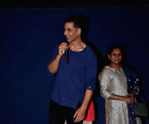 "BMC workers organise special screening of ""Mission Mangal"" - Akshay Kumar"
