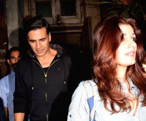 Akshay Kumar and Twinkle Khanna seen at Pali Bhavan Bandra