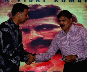 Akshay Kumar launches book on 'Veerappan