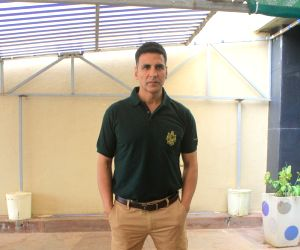 Akshay credits Balki with 'effective' road safety campaign