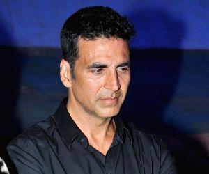 Akshay Kumar joins Rohit Shetty's police universe with 'Sooryavanshi'