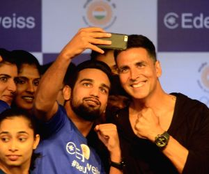 Akshay Kumar meets athletes representing India in the upcoming 18th Asian Games