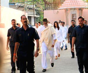 Funeral of Amitabh Bachchan's secretary and film producer Sheetal Jain