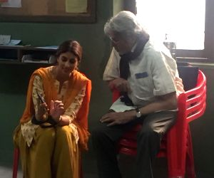 Amitabh Bachchan and Shweta Bachchan shoots for jewellery ad
