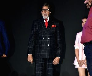 Big B accepts Rathore's fitness challenge