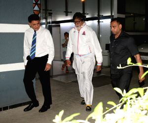 Amitabh Bachchan seen at Juhu
