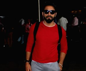 Aparshakti Khurana at Airport