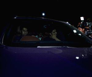Arjun Kapoor pay last respects to Sridevi