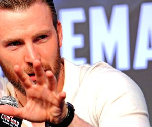 Chris Evans dives into 'Captain America' archives