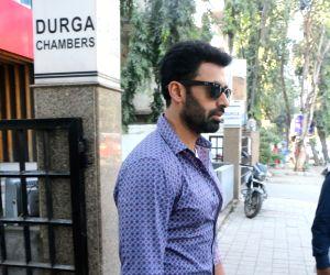 Dev Gill seen at khar