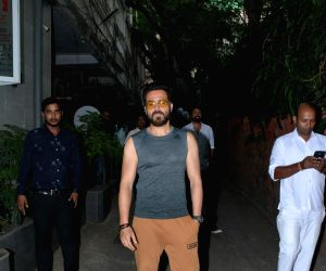 Emraan Hashmi seen at Mumbai's Bandra