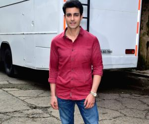 """Actor Gautam Rode during the promotions of his upcoming film """"Aksar 2"""" on the sets of television show 'Comedy Dangal' in Mumbai on Sept 17, 2017."""