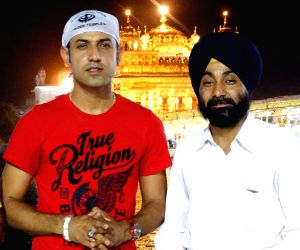 Gippy Grewal at Golden Temple