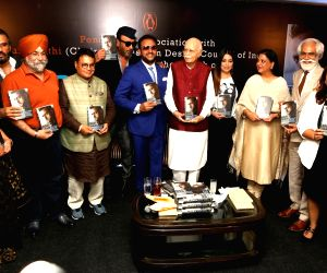 Actor Gulshan Grover with Fashion Design Council of India (FDCI) President Sunil Sethi, BJP leader L.K. Advani and actors Sunil Shetty, Jackie Shroff and Mahima Chaudhry at the launch of ...