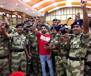 Gurmeet Choudhary visited the CISF Headquarters ahead of Republic Day