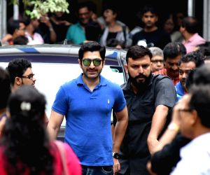 Prosenjit Chatterjee, Jeet talk to the media