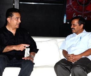 Kejriwal invites Kamal to joint active politics