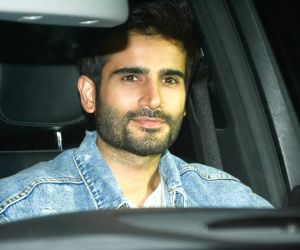 Neha Dhupia's birthday celebrations at Karan Johar's residence - Karan Tacker