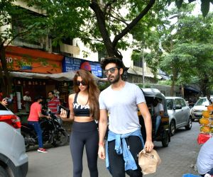 Kartik Aaryan, Dimple Gupta seen in Bandra