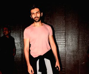 Kartik Aaryan seen at a gym