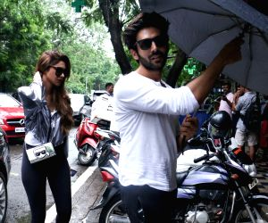 Kartik Aaryan seen at a restaurant