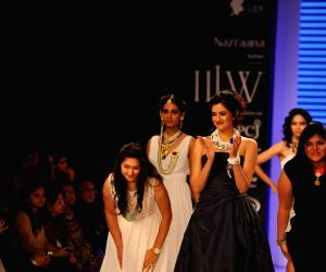 IIGJ collection at IIJW 2014 – Day 1