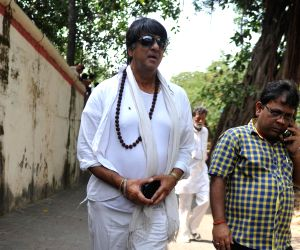 Funeral of filmmaker Ravi Chopra