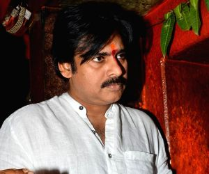 Pawan Kalyan at Kondagattu Anjaneyaswamy temple