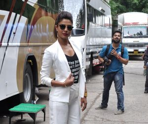 Promotion of film Mary Kom on the sets of Jhalak Dikhhla Jaa 7