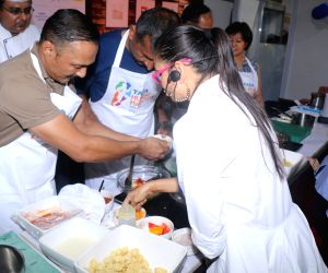 Pasta party ahead of Mumbai Marathon -  Rahul Bose