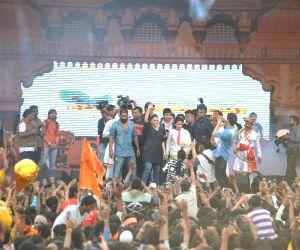 Celebs at Shri Sankalp Pratishthan's Dahi Handi celebrations