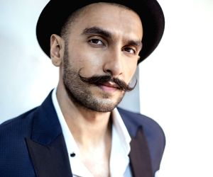 When Ranveer Singh's dad 'rolled up' behind him