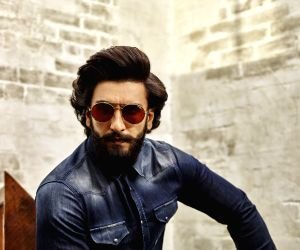 Will strive to make flag of Hindi cinema fly high: Ranveer Singh