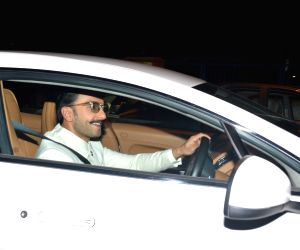 Ranveer Singh and family leave for airport