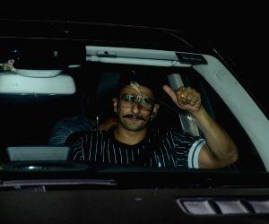 Actor Ranveer Singh seen at Ranbir Kapoor's residence in Mumbai on Sept 26, 2018.