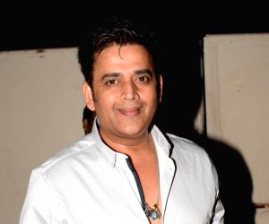 Ravi Kishan signs seven movie deal in Bhojpuri