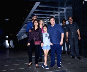 Rishi Kapoor and family seen at Bandra restaurant