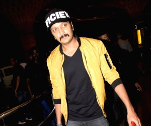 Riteish Deshmukh leaves for Bangkok to attend IIFA Awards