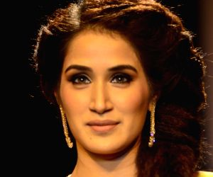 Sagarika Ghatge showstopper for Ganjam Show at IIJW - Day 2